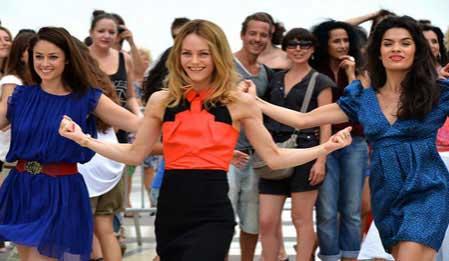 Fransız Kadınları - Sous les Jupes des Filles izle