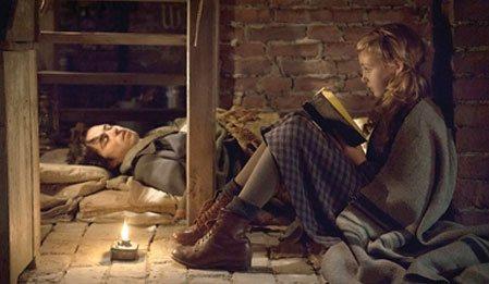 Kitap Hırsızı - The Book Thief izle