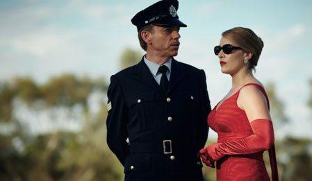 Düşlerin Terzisi - The Dressmaker izle