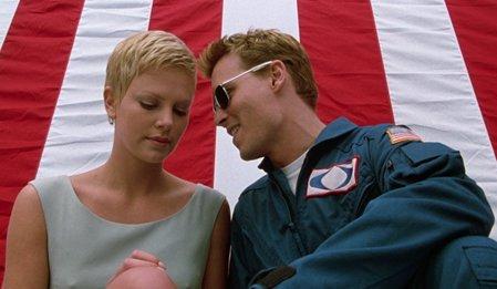 Astronotun Karısı - The Astronauts Wife izle